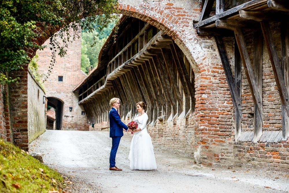 Hochzeitsfoto auf Burg Trausnitz in Landshut, Hochzeitsfotograf aus München