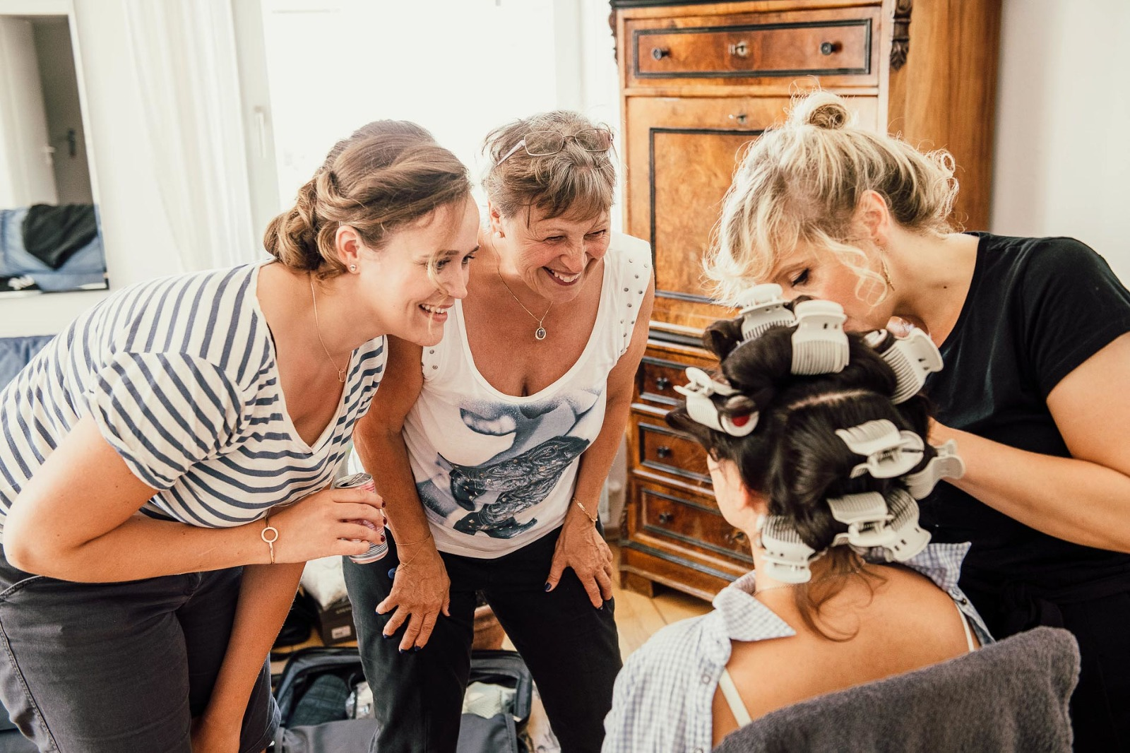 Fotograf Chiemsee Hochzeit, Braut beim getting ready