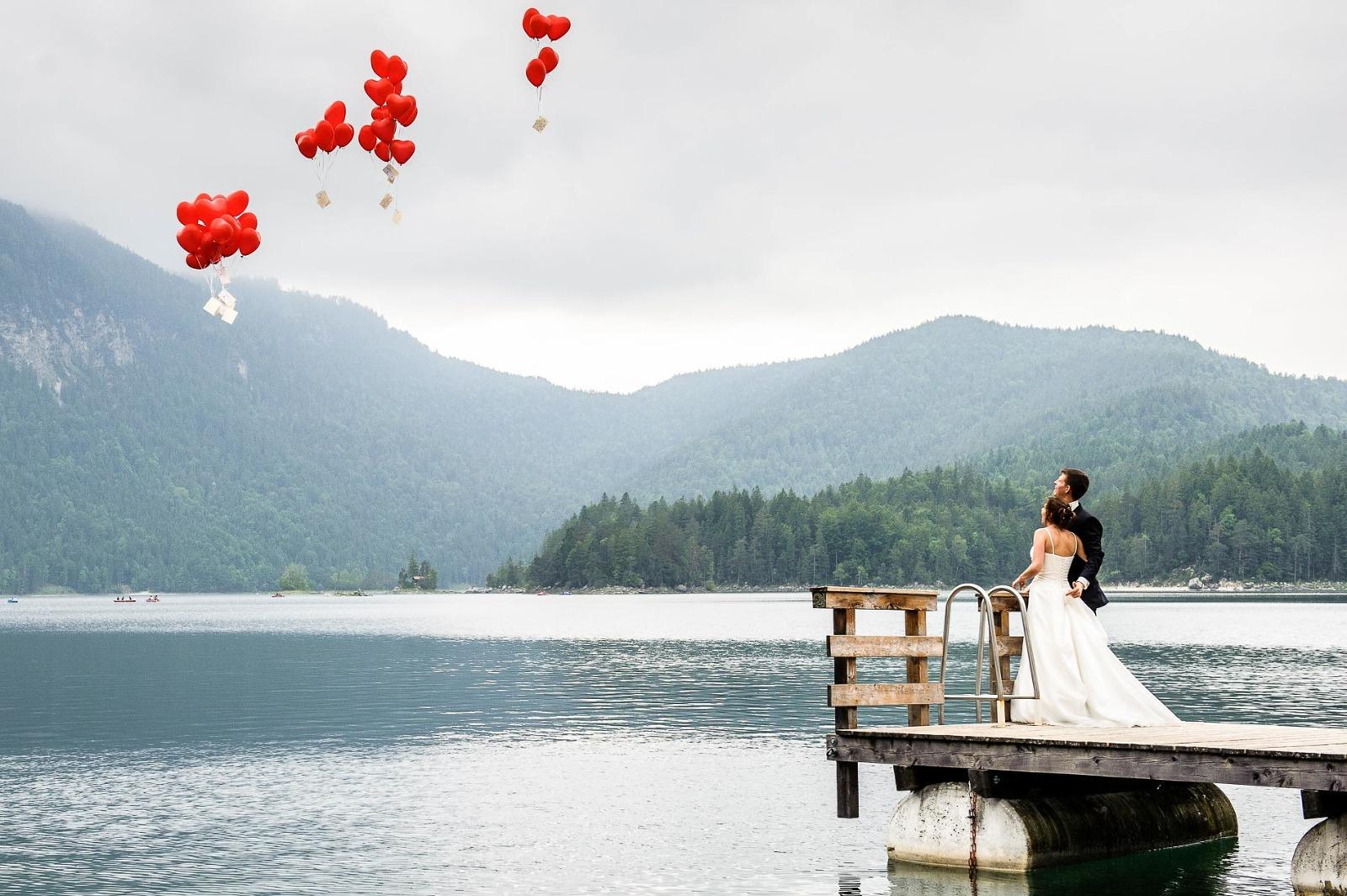 Hochzeits-Fotograf Garmisch-Partenkirchen, Brautpaar in Grainau am Eibsee