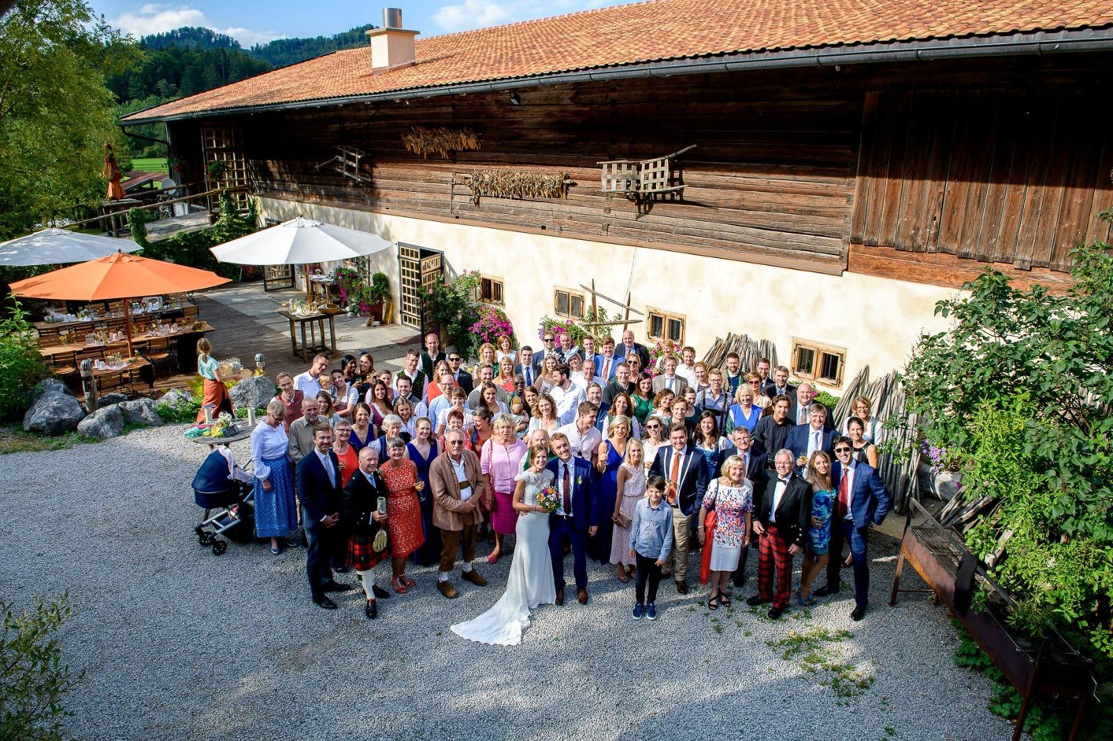 Hochzeitsfotograf München, Gruppenfoto bei einer Hochzeit im Hasenöhrlhof im Chiemgau